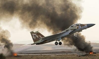 Suriye resmi haber ajansı İsrail uçağının vurulduğunu duyurdu.