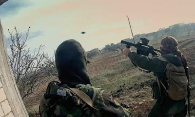 İdlib kentinde muhaliflerin saldırısında rejim güçleri çok sayıda kayıp verdi.