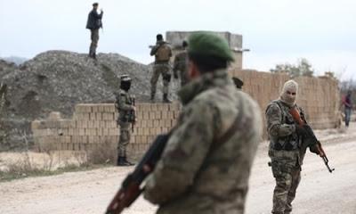 ÖSO'ya katılan Suriyeli Kürtler Burseya Dağı'nda PYD'ye karşı mücadele veriyor.