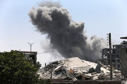 Rakka son durum: Bombardımanlar kenti moloz yığını haline çevirdi.