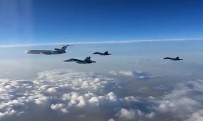 Rusya Savunma Bakanlığı, Rus Tu-22M3 bombardıman uçaklarının Suriye'nin Deyr ez Zor kentine bağlı Ebu Kemal kasabasındaki IŞİD mevzilerini vurduğunu duyurdu.