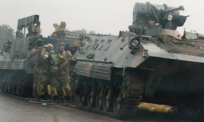 Zimbabve'de dünden bu yana başkent ve çevresinde yaşanan askeri hareketlilik sonrası ortaya atılan 'darbe' iddiaları ordu tarafından yalanlandı.