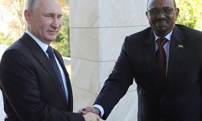 Sudan Devlet Başkanı Ömer Beşir, Rusya Devlet Başkanı Vladimir Putin ve Savunma Bakanı Sergey Şoygu'yla Soçi'de yaptıkları görüşmede Kızıldeniz'e askeri üs kurulmasını konuştuklarını söyledi.