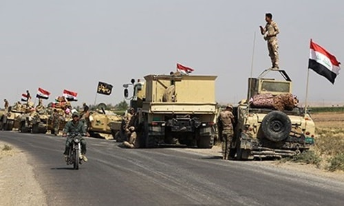 Irak'ta konuşlu bulunan Haşdi Şabi güçlerinin bölgeden çekildiği yönündeki haberlerin ardından açıklama geldi. Sözcü Ahmet Esedi, konuşlu güçlerin Irak'ın tüm bölgelerinde kalmaya devam ettiğini belirtti.