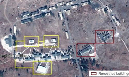 Suriye'deki iç savaşa doğrudan müdahil olan İran'ın başkent Şam yakınlarında askeri üs kurduğunu bildiriyor.