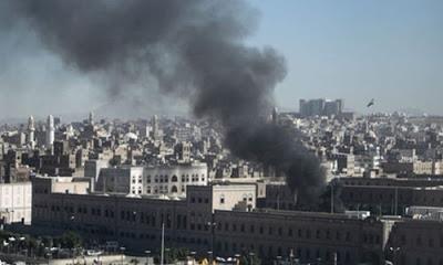 Yemen'in Aden şehrinde güvenlik güçlerinin kaldığı kamp hedef alındı. Görgü tanıkları en az dört can kaybı olduğunu bildiriyor.