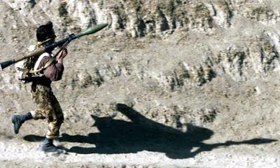 Afganistan'da polis noktasına düzenlenen saldırıda 14 güvenlik görevlisi öldü.
