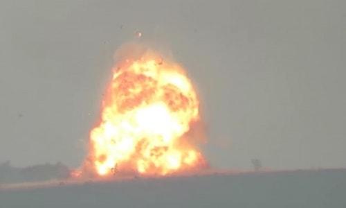 Suriyeli muhalifler rejim zırhlısını havaya uçurdu.
