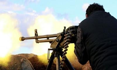 Muhalifler Suriye'nin İdlib kentinde ilerleyen rejim güçlerini durdurdu.