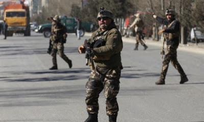 Afganistan'da düzenlenen bombalı saldırıda çok sayıda ölü ve yaralının olduğu bildirildi.